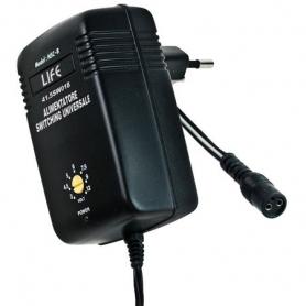 alimentatore switching 18w regolabile 3-12v. 1500mha con adattatori